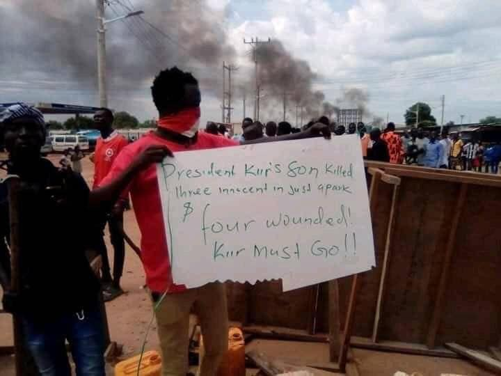 Angry mob chant 'Kiir Must Go' after a Mayardit murders five in Juba